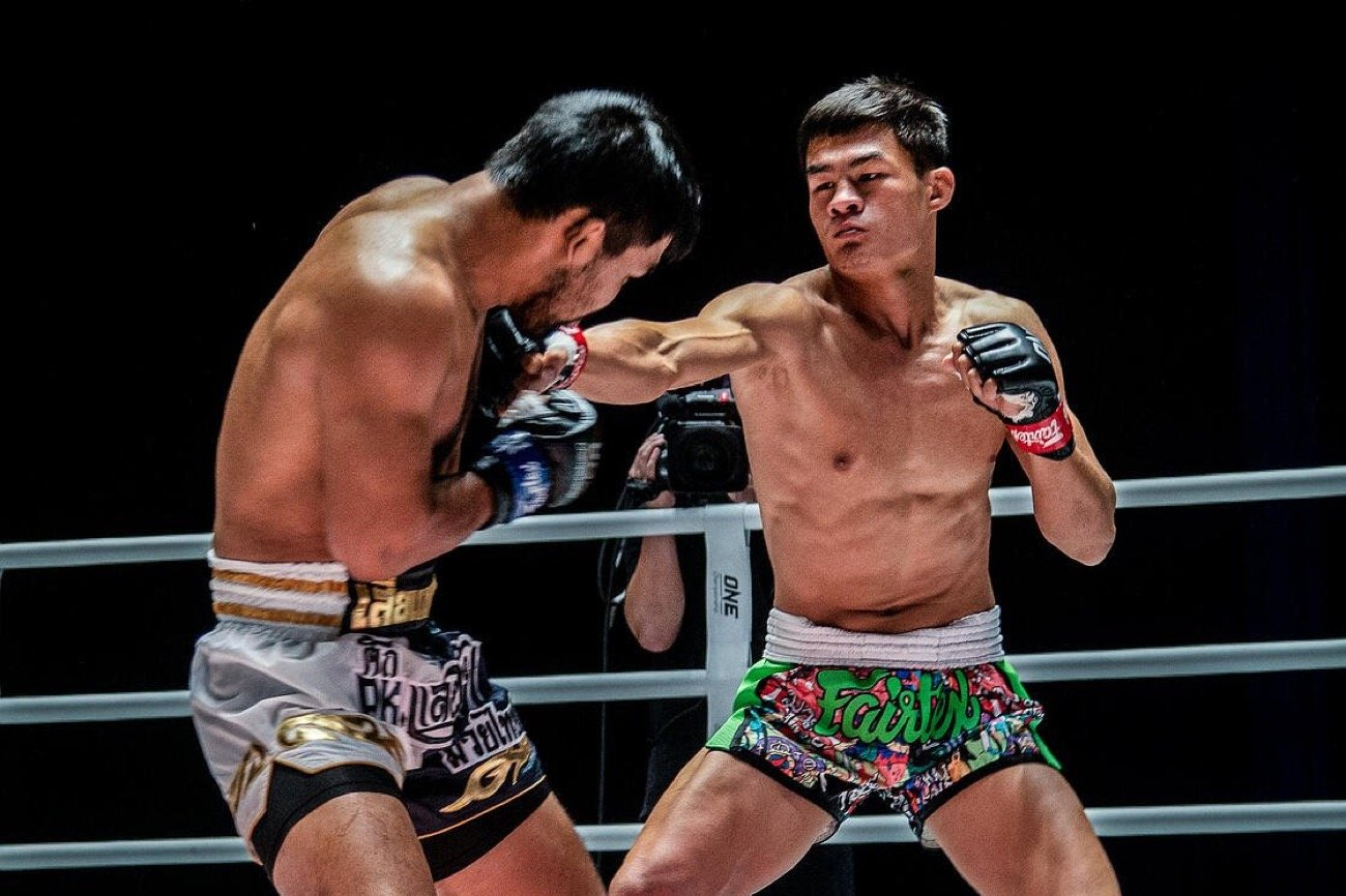 The largest global sports media property in Asian history, ONE Championship™ (ONE), put together another spectacular evening of world-class martial arts action. The bustling Thai capital of Bangkok played host to ONE: NO SURRENDER II, a closed-door, audience-free event that showcased the absolute best in local and international martial arts talent.