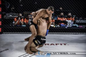Wellington Prado stops  Bruno Viana in 1st round